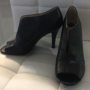 Nine West size 8.5 heels super soft black leather